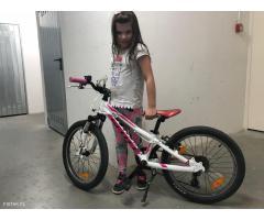sprzedam rowerek dziewczecy